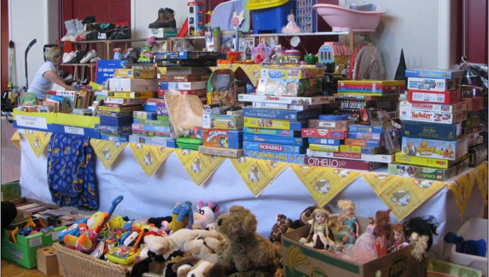 Big Bazaar in Nyon – Second hand English books, Toys, Games, Brocante, Christmas decorations