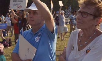 Neither Elephant nor Ass – Being a Bernie Sanders supporter – Film at Visions du Réel
