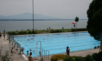 Nyon's Outdoor Pool now Open!