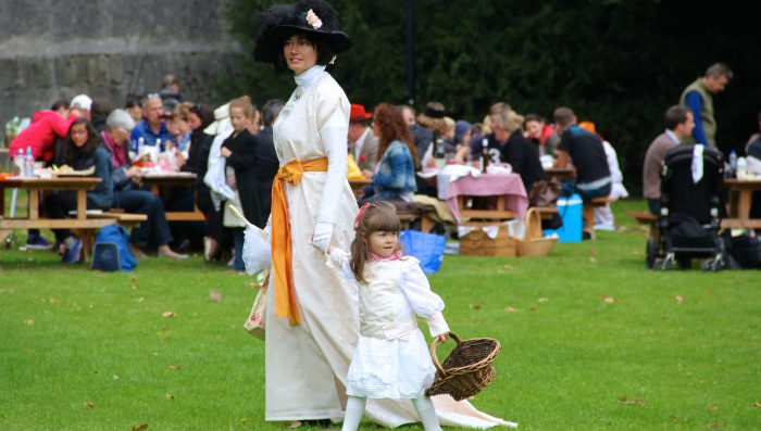 "A chance to dress up at the ""Picnic on the Grass"" in Prangins!"
