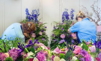 Local Business on the Right track with Flower Subscription gift idea