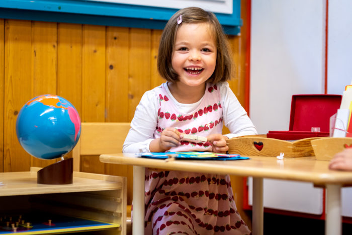 Montessori School amongst fields and forests – Free Shuttle bus to Nyon for children